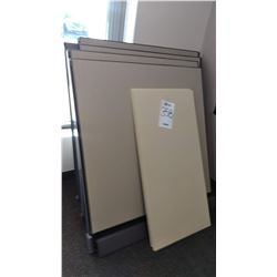 4  X PANEL CUBICAL W 2 X DESK TOPS
