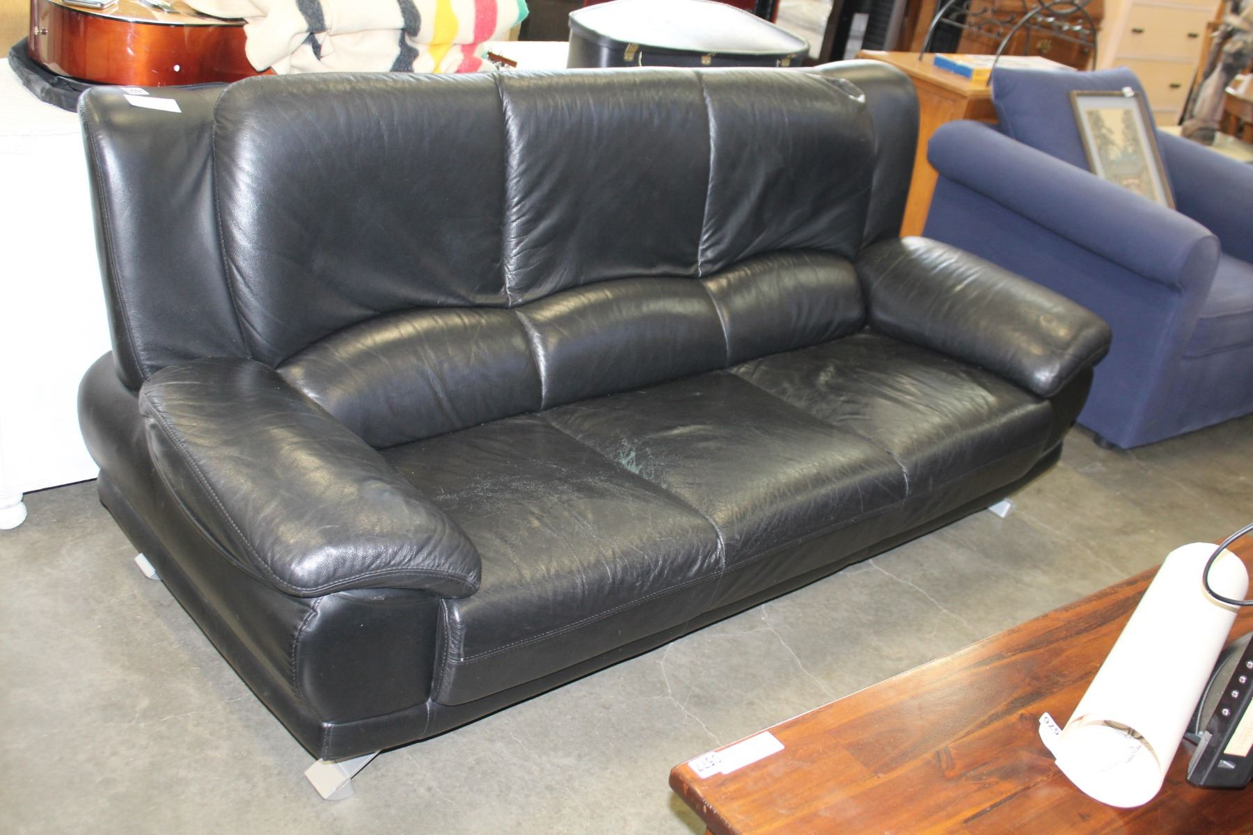 BLACK LEATHER SOFA WITH CHROME LEGS