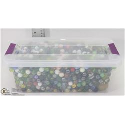 TOTE WITH ASSORTED COLLECTIBLES MARBLES