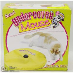 NEW UNDER COVER MOUSE AUTOMATED CAT TOY