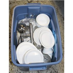 TOTE OF SMALL PLATES AND BOWLS