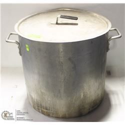 LARGE STOCK POT WITH LID