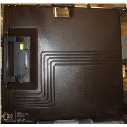 NEW CAMBRO BROWN FOOD TRANSPORT