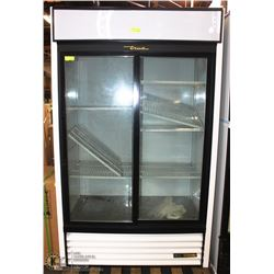 TRUE SLIDING 2-DOOR COMMERCIAL REFIGERATOR