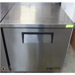TRUE STAINLESS STEEL UNDERBAR COOLER