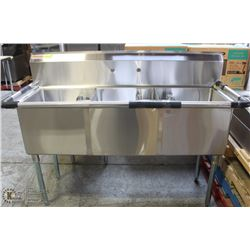 NEW 18  X 18  TRIPLE WELL STAINLESS STEEL SINK