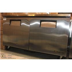 TRUE STAINLESS STEEL 2-DOOR UNDERBAR FREEZER