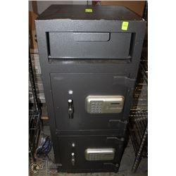 DUAL-DOOR UPRIGHT COMBINATION SAFE