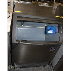 MANITOWOK ICE MAKING MACHINE/BIN HYBRID