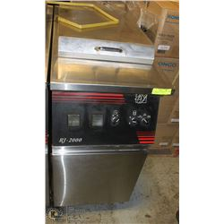 RJ-2000 ELECTRIC FRYER WITH ATTACHMENTS,