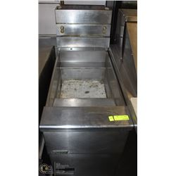 PITCO 110000 BTU DEEP FRYER AS IS, NO BASKETS