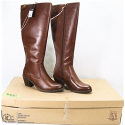NEW GENUINE 1976 GENUINE LEATHER BOOTS SIZE 5.5