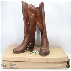 NEW GENUINE 1976 GENUINE LEATHER BOOTS SIZE 8