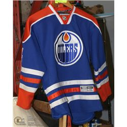 TAYLOR HALL EDMONTON OILERS JERSEY SZ YOUTH L/XL
