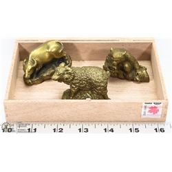 CIGAR BOX WITH 3 SOLID BRASS ANIMALS