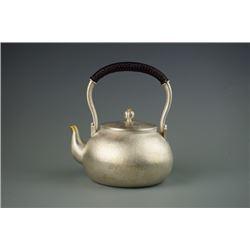 """Shi,Ya-qing'Sliver Teapot- """"Qi Zhi"""",with certification 1113."""