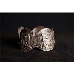 A Industria Peruana silver chain bracelet.