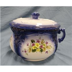Fancy flow blue chamber pot with lid, excellent