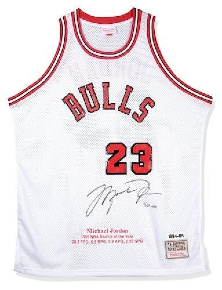 sale retailer 4b25a 0fe8f Michael Jordan Signed Bulls Mitchell Ness Jersey (UDA COA)