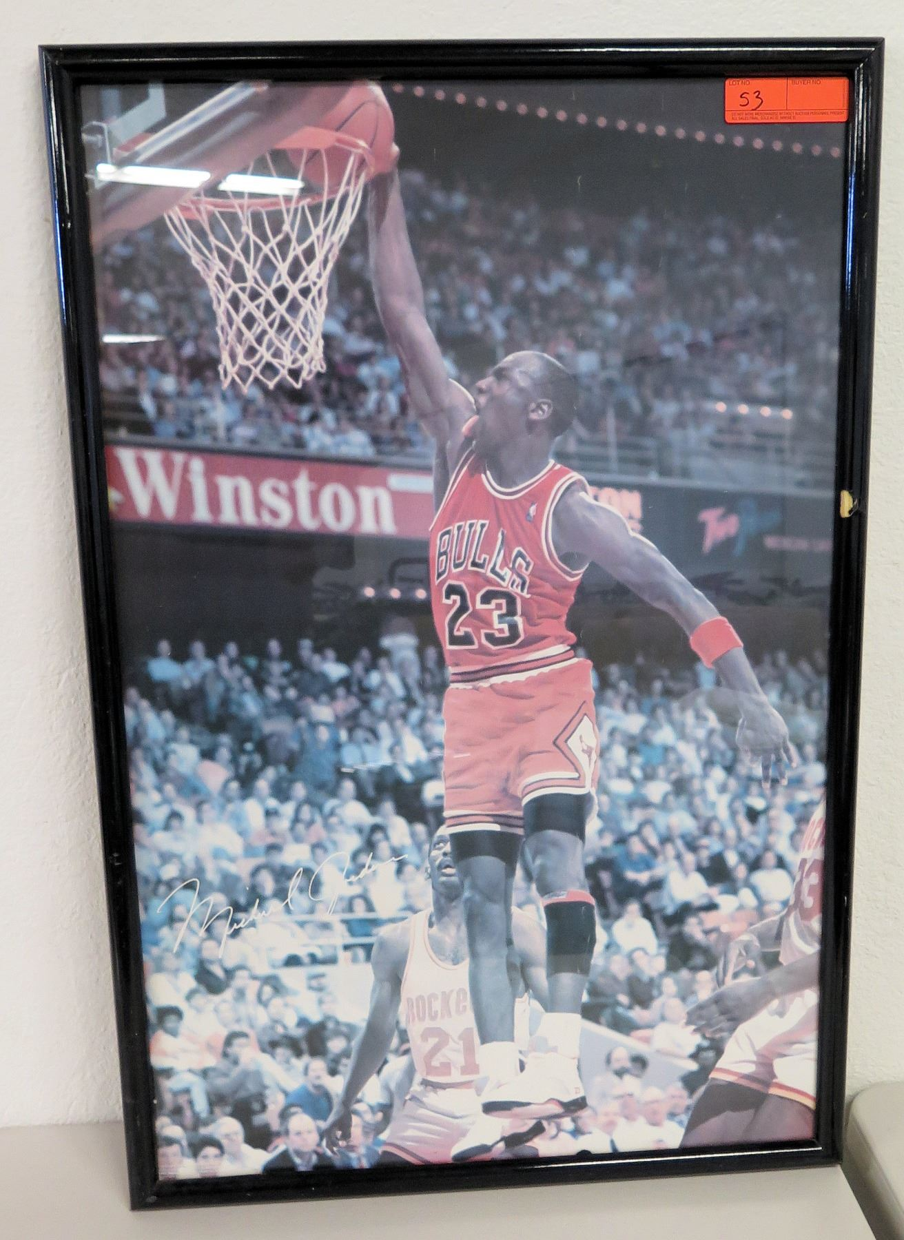 e97c2b5c6b8 Image 1 : Framed Chicago Bulls #23 Michael Jordan Photographic Print ...