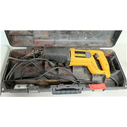 DeWalt DW303 Reciprocating Saw w/ Case