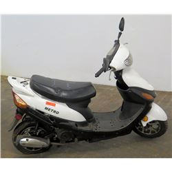 Metro White/Black Moped Scooter, 4433 Miles