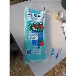 4 WALL WATER SEASON EXTENDERS, GREEN RETAIL $17.00 (4 TIMES BID PRICE)