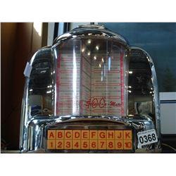 VITNAGE THOMAS SELECTOMATIC RADIO