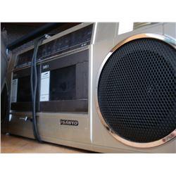 SANYO M-W1 BOOMBOX