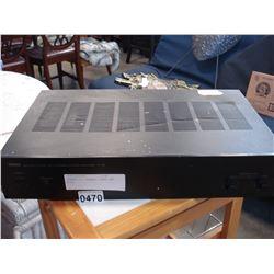 YAMAHA 2/4 CHANNEL POWER AMP M-35