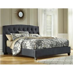 NEW ASHLEY SIGNATURE DARK GREY TUFTED AND NAILHEAD ACCENTED KING SIZE PLATFORM BEDFRAME, RETAIL $189