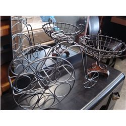 METAL WINE RACK AND CENTER PIECE