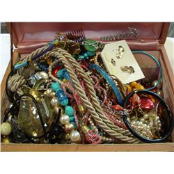 ESTATE LOT OF JEWELRY