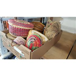 TRAY OF WOVEN BASKETS