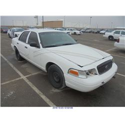 2002 - FORD CROWN VICTORIA  // TEXAS TITLE