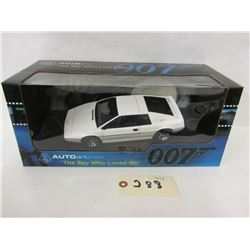 AUTOart Diecast The James Bond Collection Lotus
