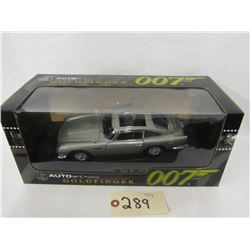 AUTOart Diecast James  Bond Collection  Aston
