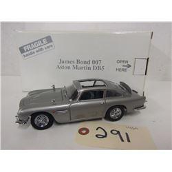 Danbury Mint James Bond 007 Silver Aston Martin