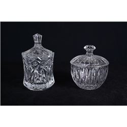 Crystal sugar bowls for 2 pieces.