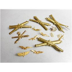 ASSORTED MILITARY PINS AND COLLAR PINS