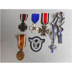 GERMAN WWI/WWII MEDALS & BADGE