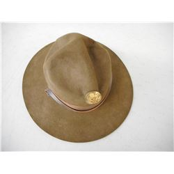 U.S. ARMY FELT CAMPAIGN HAT WITH DISPLAY BOARD