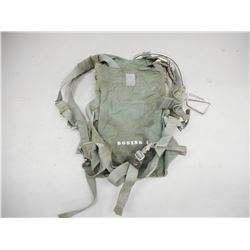 PARACHUTE IN BACKPACK HARNESS