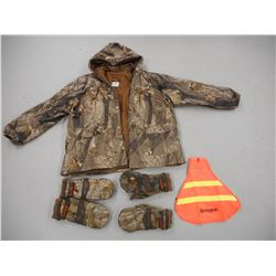 ASSORTED HUNTING CLOTHES/ACCESSORIES