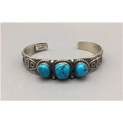 Nice KIRK SMITH 3 Stone Bracelet