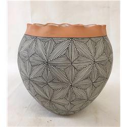 Fine Acoma Pot - D & R Malie
