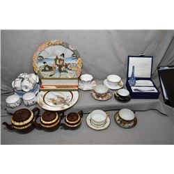"""Two trays of china collectibles including Royal Albert """"Dainty Dinah"""" tea set with five tea cups and"""