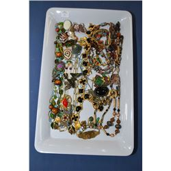 Tray lot of vintage and collectible jewellery including enamelled necklace and earring set, beaded n