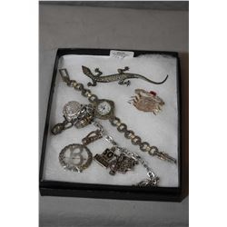 Selection of collectible jewellery including marcasite lizard brooch, sterling crab pin set with pin