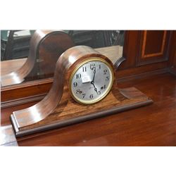 Sessions mahogany cased top hat chiming mantle clock, working at time of cataloguing